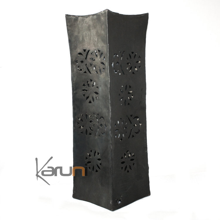 vase design rectangle haut 50 cm lampe luminaire m tal recycl madagascar 3. Black Bedroom Furniture Sets. Home Design Ideas