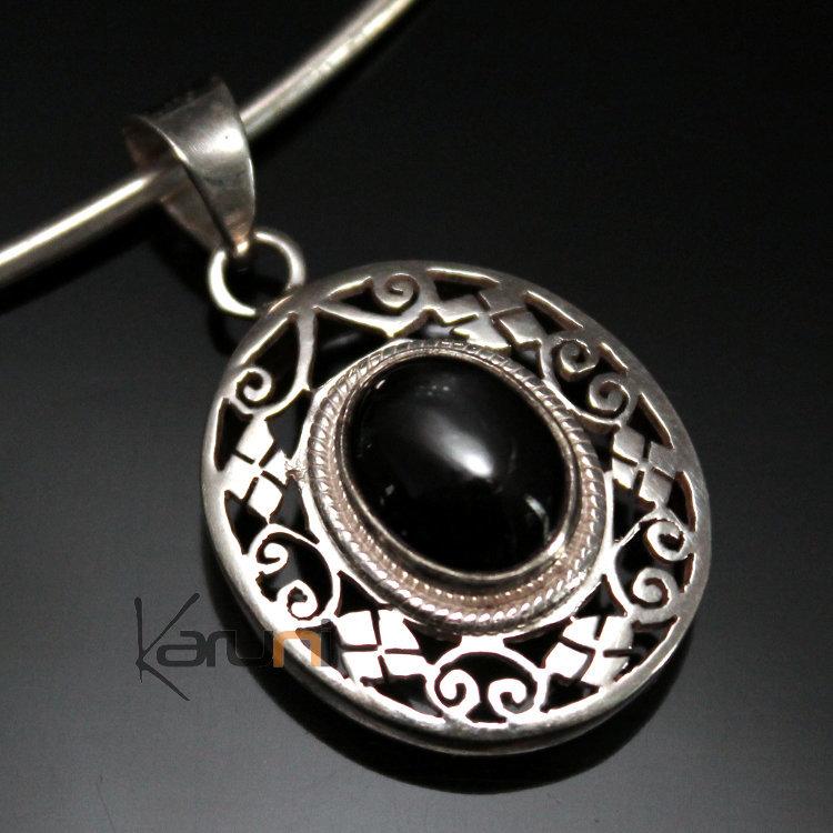 bijoux indiens ethniques pendentif argent massif 925 nepal 18 ovale onyx newar. Black Bedroom Furniture Sets. Home Design Ideas