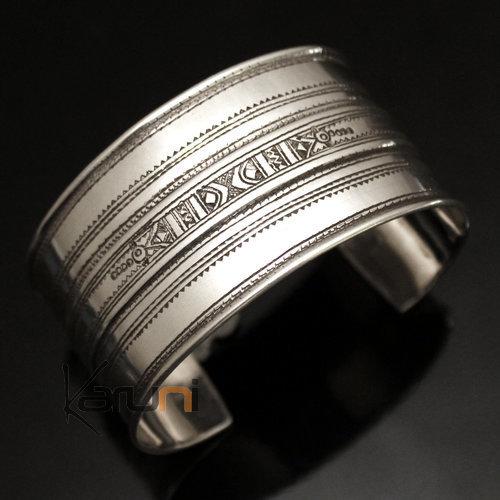 bijoux touareg ethniques bracelet manchette en argent large grav 02. Black Bedroom Furniture Sets. Home Design Ideas