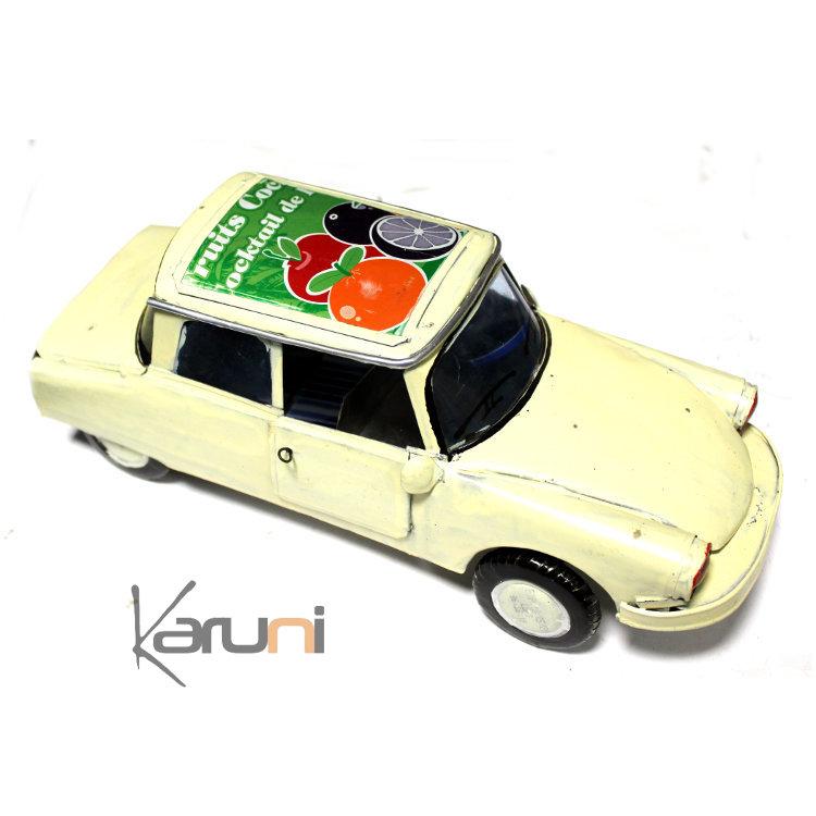 voiture de collection miniature ds citro n canette recycl e m tal 25 cm madagascar blanc. Black Bedroom Furniture Sets. Home Design Ideas