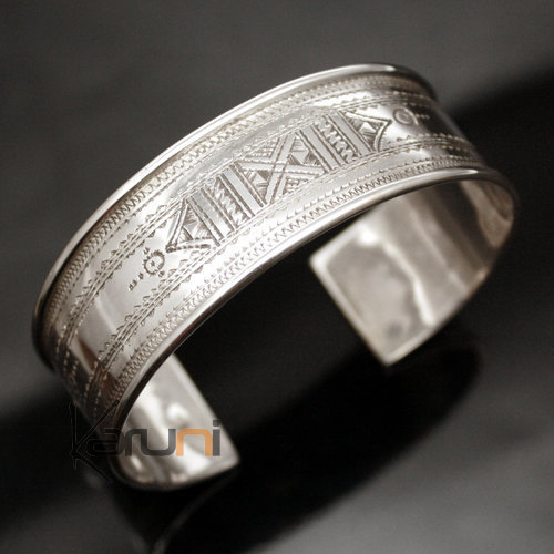 bijoux touareg ethniques bracelet en argent large plat. Black Bedroom Furniture Sets. Home Design Ideas